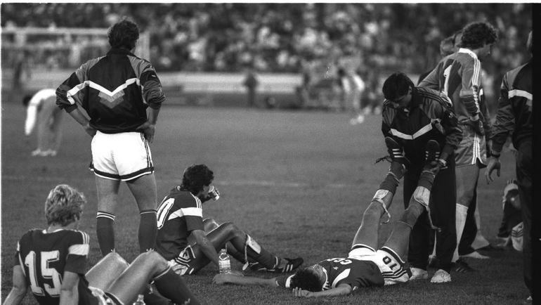 1 октября 1988 года. Сеул. СССР - Бразилия - 2:1 (д.в.). Игроки советской команды перед дополнительным временем. Фото Игорь Уткин