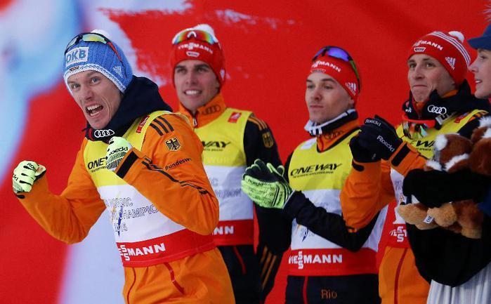 Сегодня. Фалун. Команда Германии радуется победе в эстафете. Фото AFP