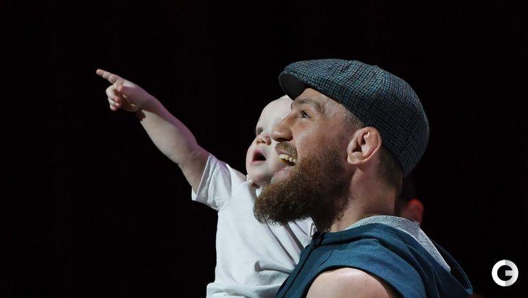 3 октября.Лас-Вегас. Конор Макгрегор с сыном на открытой тренировке.