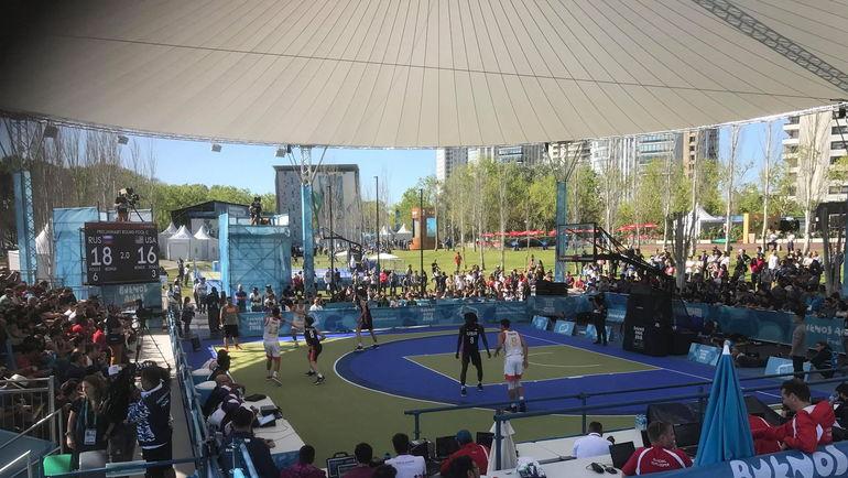 Россия обыграла США в баске-тбол на юношеской Олимпиаде.