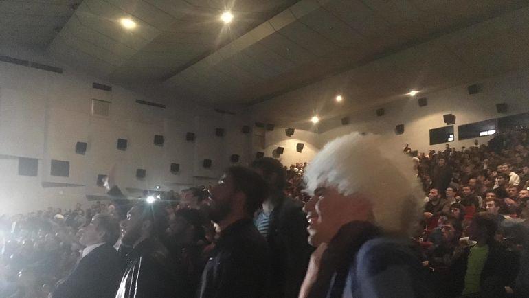 """Просмотр боя Нурмагомедов - Макгрегор в кинотеатре. Фото """"СЭ"""""""