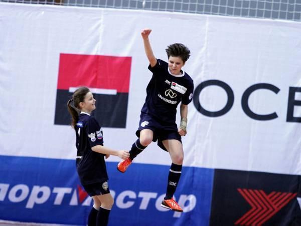 """Осенью этого года традиционно стартовал самый массовый школьный спортивный проект в нашей стране – """"Мини-футбол – в школу"""", реализуемый Ассоциацией мини-футбола России в течение уже 14 сезонов."""