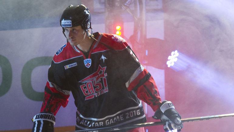 Он отказался от гражданства Латвии. Его считают предателем, но он просто хочет играть в КХЛ