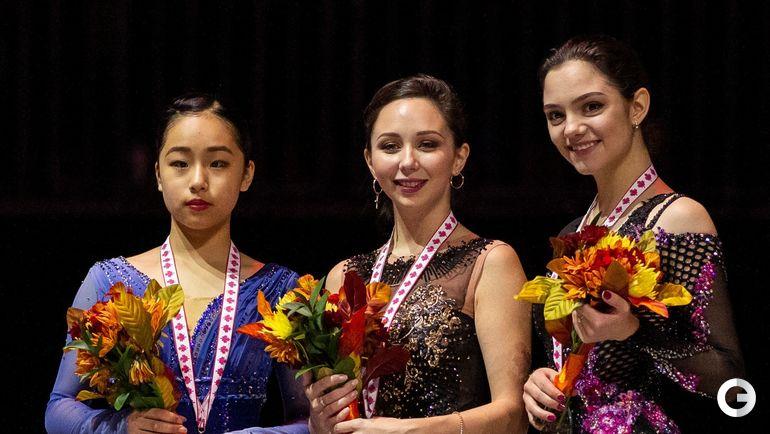 27 октября. Квебек. Гран-при Канады. Призеры канадского этапа (слева направо) - Мако Ямасита, Елизавета Туктамышева и Евгения Медведева.