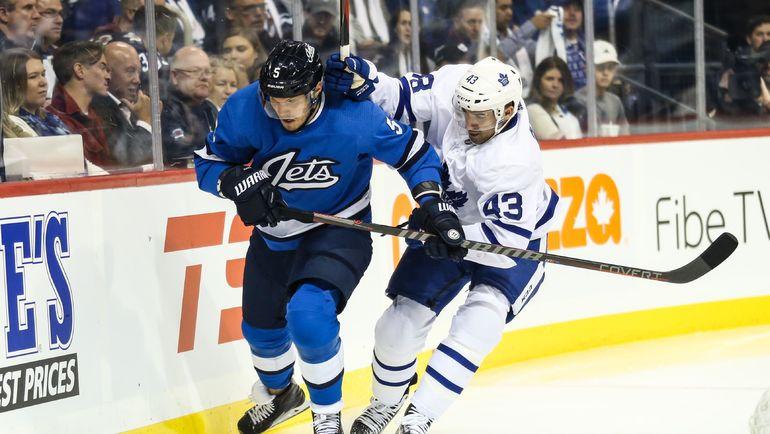 Дмитрий Куликов (№5). Фото USA TODAY Sports