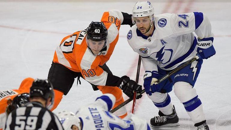 """Безумие в Филадельфии. """"Тампа"""" испортила один из самых невероятных камбэков в истории НХЛ"""