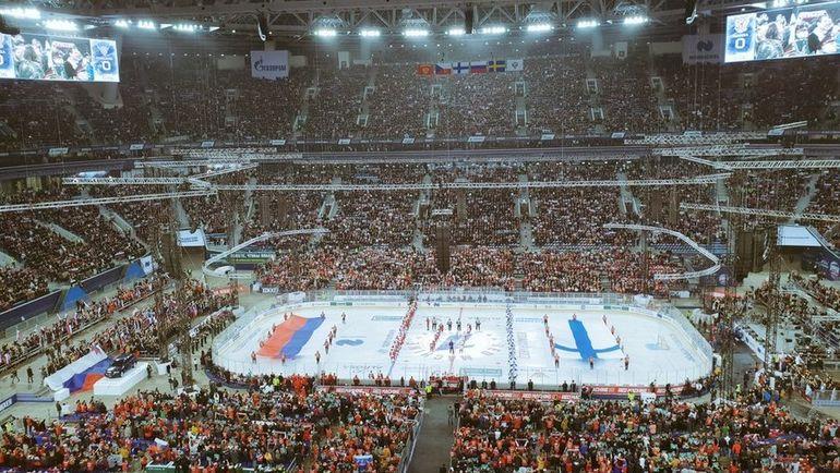 Матч Россия - Финляндия с высоты крыши Крестовского. Фото twitter.com/hcSKA