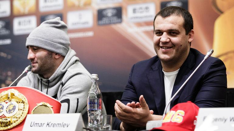 Генеральный секретарь Федерации бокса России Умар Кремлев и российский боксер Мурат Гассиев. Фото Пресс-служба Федерации бокса России