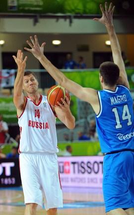 Россия начала Евробаскет-2013 с поражения