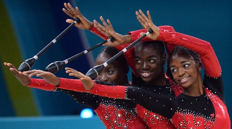 Ангольские гимнастки.