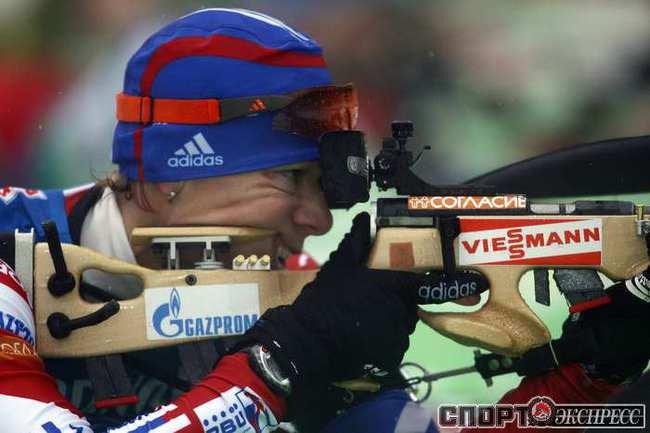 Евгений устюгов возглавил общий зачет кубка мира по биатлону