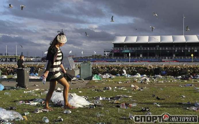 Наряды на скачках во Флемингтоне. Фото REUTERS