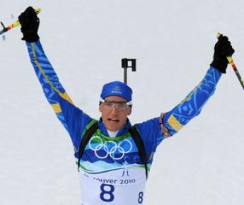 """Среда. Уистлер. Бьорн ФЕРРИ выигрывает гонку преследования. Фото AFP Фото """"СЭ"""""""