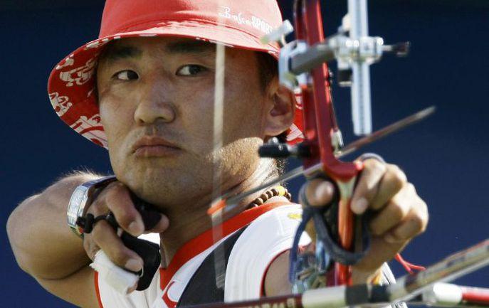 Бронзовый призер пекинской Олимпиады Баир БАДЕНОВ. Фото REUTERS