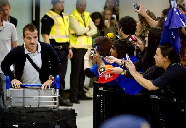 """18 июня. Амстердамский аэропорт. Несмотря на провальное выступление на Euro-2012,. Фото """"СЭ"""""""