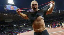 Немецких чемпионов Лондона премировали... татуировками
