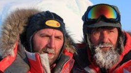 """Федор КОНЮХОВ (справа) и Виктор СИМОНОВ. Фото Лины ХОЛИНОЙ, """"СЭ""""."""