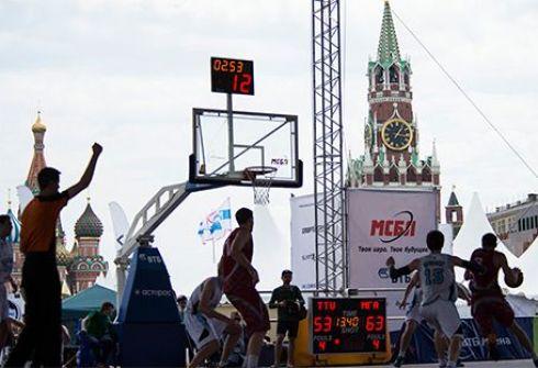 """1 июня. Москва, Красная площадь. Праздник студенческого баскетбола """"VTB Arena Open"""". Фото isbl-basket.com. Фото """"СЭ"""""""