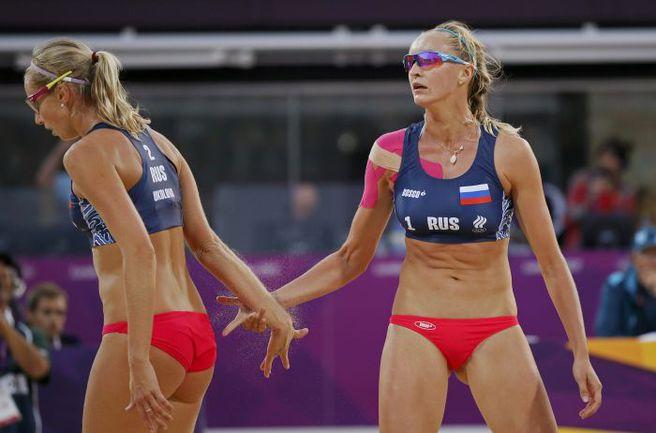 Евгения УКОЛОВА (слева) и Екатерина ХОМЯКОВА. Фото REUTERS