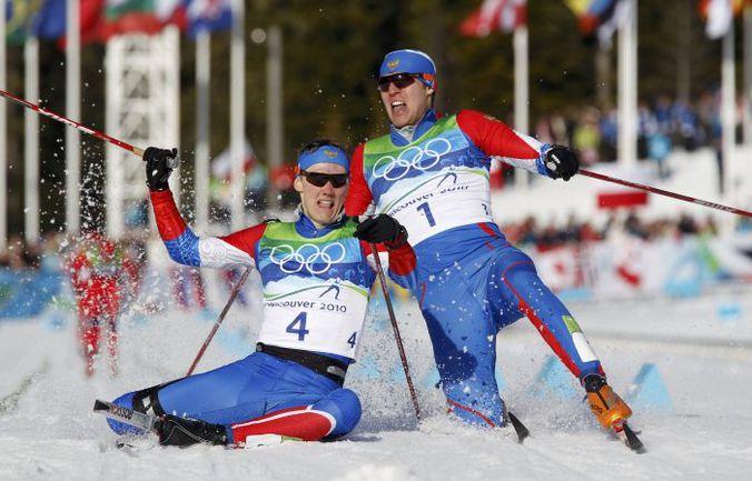 Золото лыжника Никиты КРЮКОВА (слева) и серебро Александра ПАНЖИНСКОГО стали приятными сенсациями Ванкувера-2010. В Сочи-2014 приятных неожиданностей может случиться намного больше. Фото REUTERS