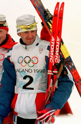 14 февраля 1998 года. Нагано. Валерий СТОЛЯРОВ. Фото REUTERS