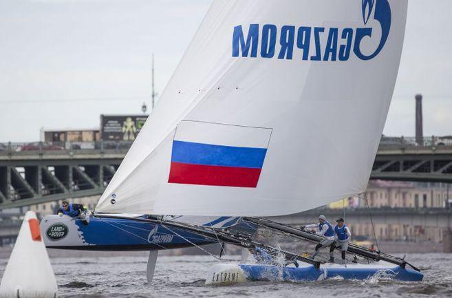Дебютантка Extreme Sailing Series российская Gazprom Team Russia одержала в субботу две победы. Фото Lloyd Images