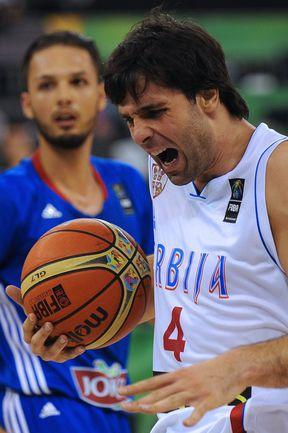 Если завтра сербы проиграют грекам, Милош ТЕОДОСИЧ вернется в расположение ЦСКА уже в понедельник. Фото AFP