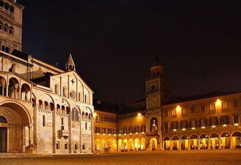 Центральная площадь Модены - Пьяцца-Гранде. Фото fivb.org