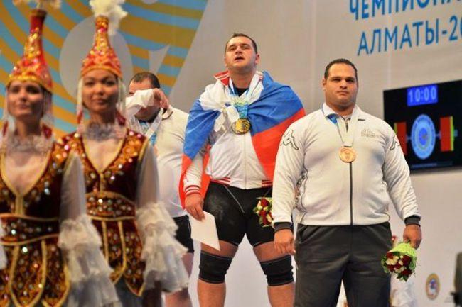 Чемпион мира из России - Руслан АЛБЕГОВ. Фото rfwf.ru