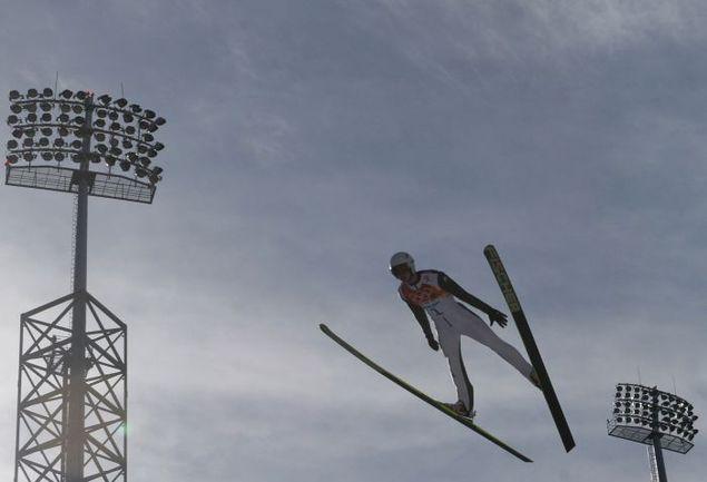 В олимпийском Сочи Евгений КЛИМОВ оказался 45-м - последним из финишировавших в лыжной гонке двоеборья. Фото AFP