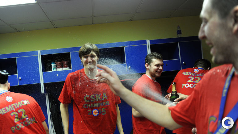 Андрей КИРИЛЕНКО в чемпионской раздевалке.
