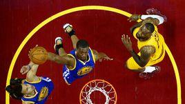 НБА подписала миллиардный контракт с производителем спортивной одежды