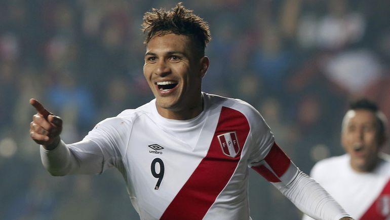 Пятница. Консепсьон. Перу – Парагвай – 2:0. 89-я минута. Хосе Паоло ГЕРРЕРО забил свой четвертый мяч на турнире. Фото REUTERS