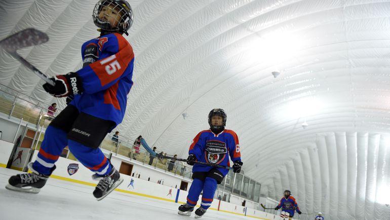 В Поднебесной активно работают с юными хоккеистами.