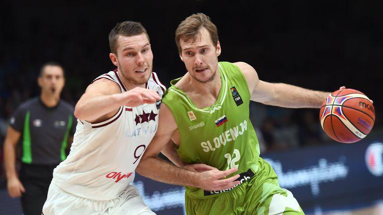Зоран ДРАГИЧ (справа). Фото AFP