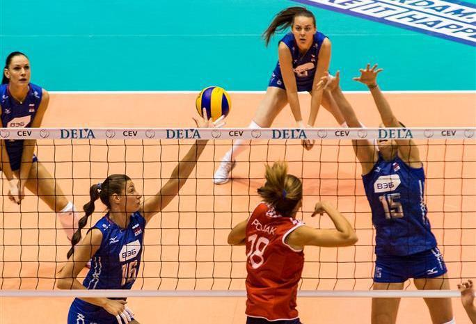 Несмотря на поражение от Хорватии сборная России заняла первое место в группе и напрямую вышла в четвертьфинал. Фото cev.lu