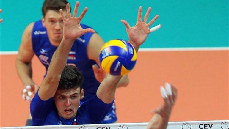 10 октября. Бусто-Арсицио. Словакия - Россия - 0:3. Егор КЛЮКА играет на блоке. Фото cev.lu