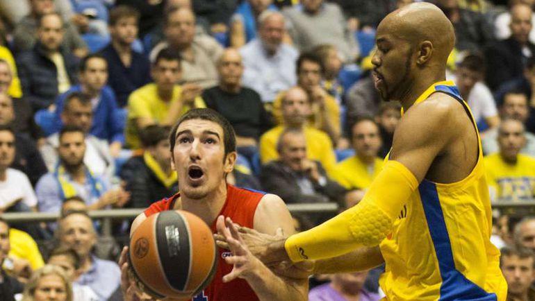 Французский защитник Нандо ДЕ КОЛО (слева) - одна из главных ставок ЦСКА в нынешней Евролиге. Фото AFP