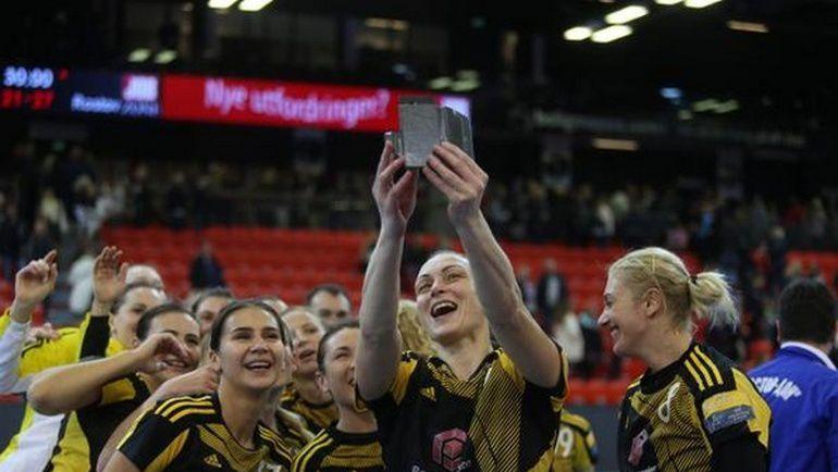 Победа - и селфи на память. Фото rostovhandball.ru