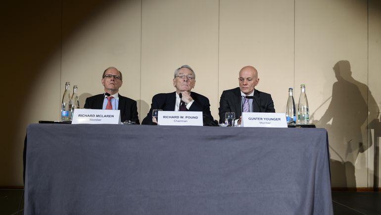 Понедельник. Женева. Ричард ПАУНД (в центре) ведет пресс-конференцию ВАДА. Фото REUTERS