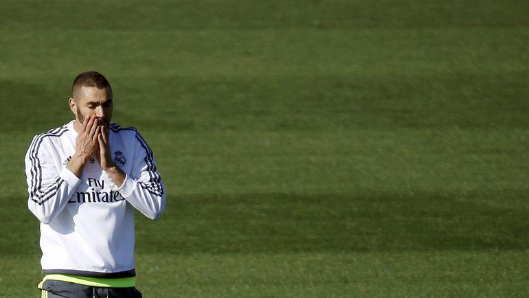 Карим БЕНЗЕМА уже вернулся в Мадрид. Фото REUTERS