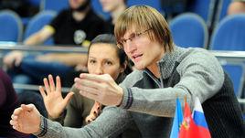 Кириленко приехал к девушкам в Видное