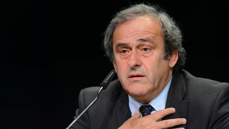 Руководитель УЕФА Платини назвал маскарадом свое отстранение отфутбола навосемь лет