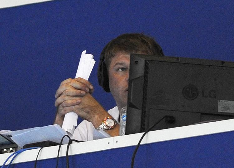 """Дмитрий ГУБЕРНИЕВ на комментаторской позиции. Фото Никита УСПЕНСКИЙ, """"СЭ"""""""