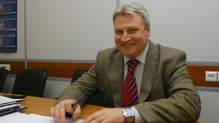 Виктор НЕВЕРОВ.