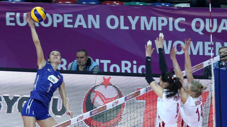 Сегодня. Анкара. Польша - Россия - 2:3. В атаке Яна ЩЕРБАНЬ. Фото AFP