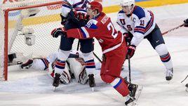 Сегодня. Хельсинки. Россия - США - 2:1. Радость автора победного гола Егора КОРШКОВА.