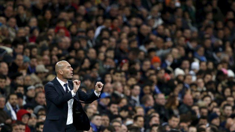 "Суббота. Мадрид. ""Реал"" - ""Депортиво"" - 5:0. Зинедин ЗИДАН. Фото REUTERS"