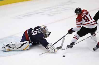"Сегодня. Ванкувер. США - Канада - 2:3 ОТ. Золотой гол Сидни КРОСБИ. Фото REUTERS Фото ""СЭ"""