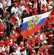 """Ванкувер. РОССИЯ - Канада - 3:7. Болельщики. Фото REUTERS Фото """"СЭ"""""""